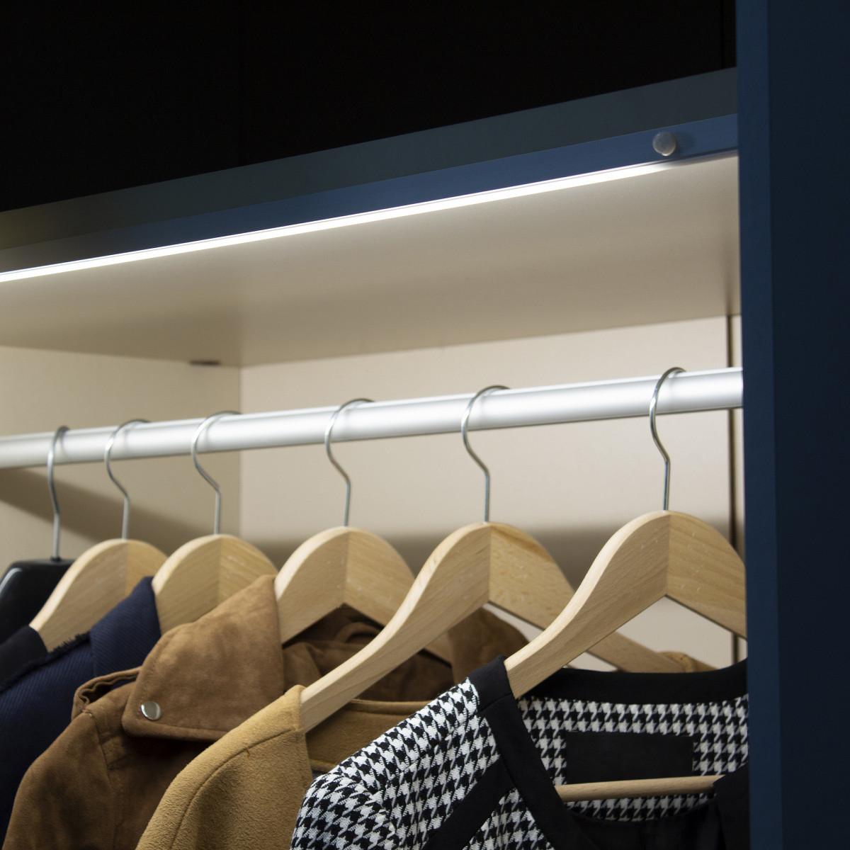 Futura PIR oświetlenie do szafy z czujnikiem ruchu (2).jpg